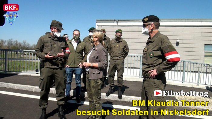 Klaudia Tanner besucht Soldaten in Nickelsdorf