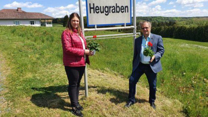 Walter Zloklikovits kündigt Kandidatur mit Blumengruß an